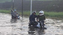 Diguyur Hujan, Jalan Raya Porong Lama Tergenang Air 60 Cm