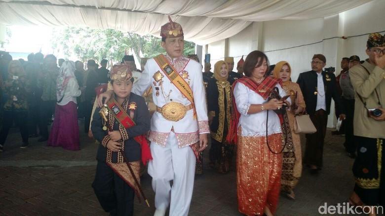 Nikahan Contoh untuk Semua - Medan Para raja dari menghadiri resepsi pernikahan Kahiyang Mereka menilai pernikahan antaradat ini sebagai teladan untuk semua datang