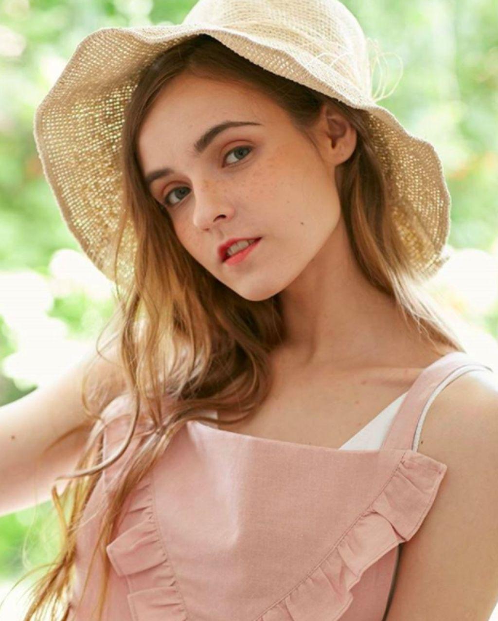 """Namanya adalah Alexandra """"Sasha"""" Podberezskaja, seorang gadis asal Rusia. Foto: Instagram"""