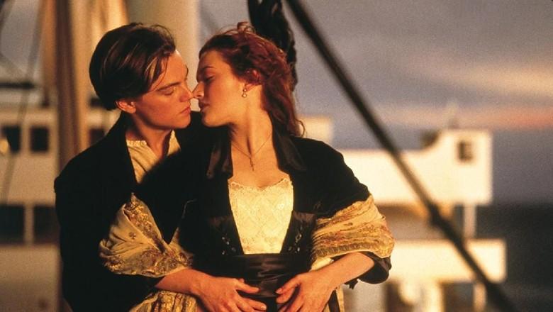 James Cameron Ungkap Alasan Leonardo DiCaprio Harus Mati di Titanic