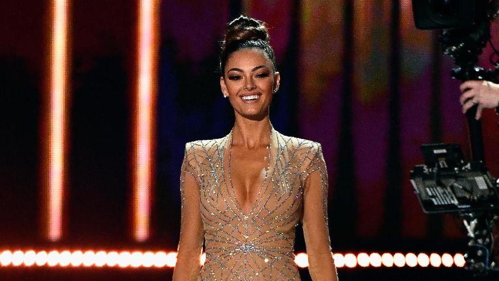 Foto: Penampilan Memukau 3 Besar Miss Universe 2017