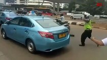 Video Taksi Blue Bird Tabrak Motor Polisi