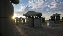 Foto: Ini Kembaran Stonehenge, Tapi dari Mobil Bekas