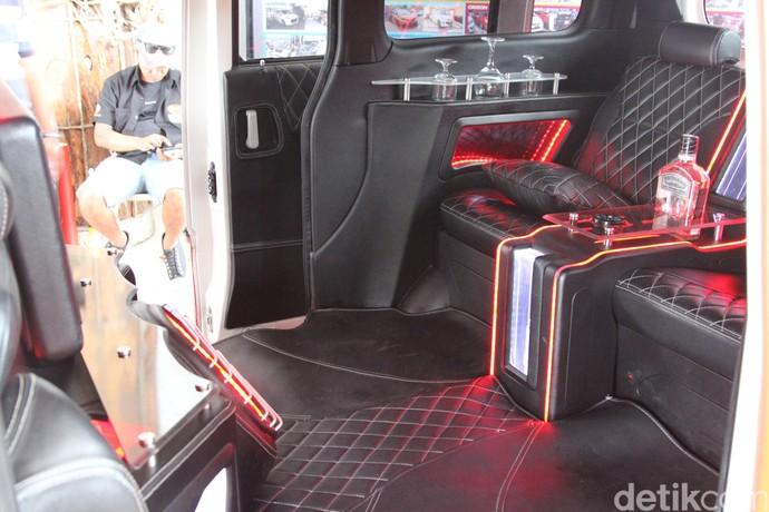 Si Bongsor Daihatsu Luxio Tampil Premium