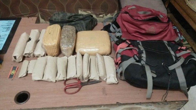 Polisi Tangkap 7 Pengedar Ganja di Cipondoh Tangerang