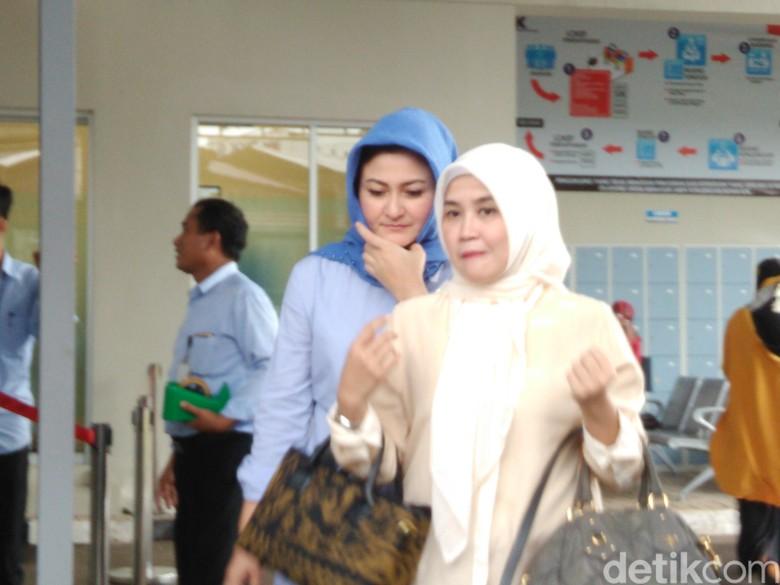 Sekitar 2 Jam di Rutan KPK, Istri Novanto Pulang Naik Honda Freed