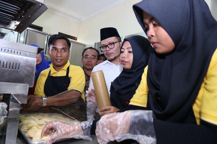Hanif Dhakiri berbincang dengan siswa BLK Lombok Timur/Foto: Dok Kemnaker
