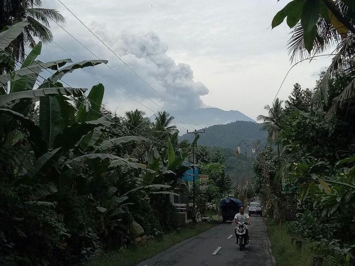 Dampak abu vulkanik bagi kesehatan paru dan penanganannya/Foto: ardian