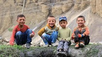 Desa Terujung di Pakistan, Suka Bersedekah