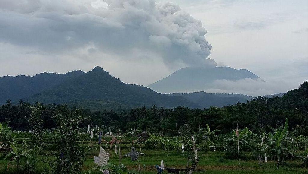 Letusan Gunung Agung Belum Pengaruhi Penerbangan Jember-Surabaya