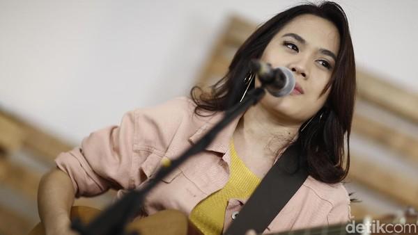 Sheryl Sheinafia Buat Video Vertikal untuk Sweet Talk