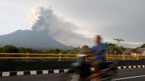 Sebaran Abu Vulkanik Gunung Agung Mengarah ke Samudra Selatan Yogya