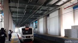 Tunggu Pengerasan Jalur, Jadwal Operasi Kereta Bandara Soetta Mundur