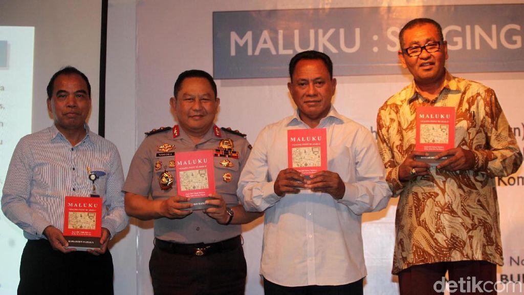Anggota DPR Komarudi Watuben Luncurkan Buku