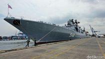 Foto: Kapal Penghancur Rusia Bersandar di Pelabuhan Tanjung Priok