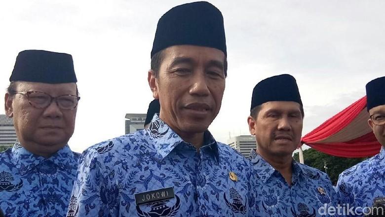 Surat Khofifah Sudah Saya Terima - Jakarta Presiden Joko Widodo mengatakan dirinya sudah menerima surat permintaan pengarahan dari Menteri Sosial Khofifah Indar Parawansa terkait