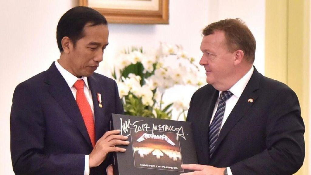 KPK: Jokowi Ganti Vynil Metallica yang Dirampas Negara Rp 11 Juta