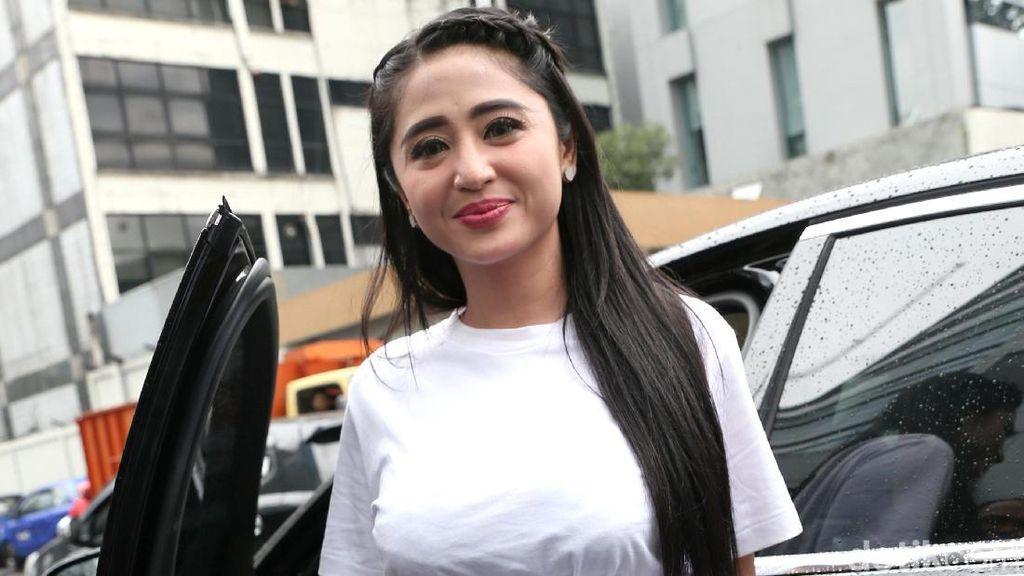 Dewi Persik akan Polisikan Balik Petugas TransJakarta