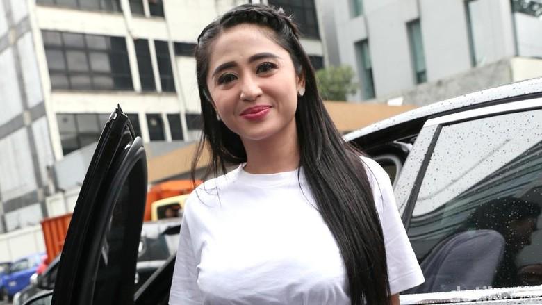 Selain Petugas, Dirut TransJ Juga akan Dilaporkan Dewi Persik