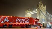 Jelang Natal, Truk Minuman Soda Ini Disulap Jadi Hotel