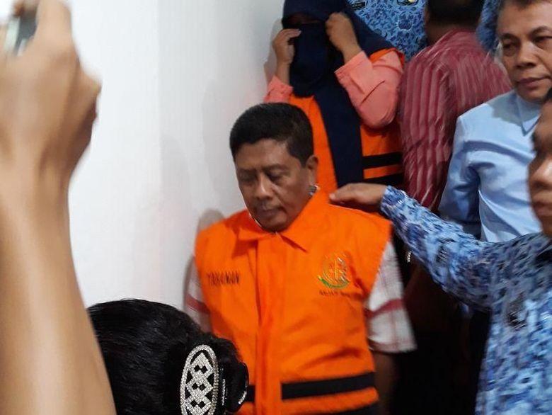 Jaksa Tahan Aktor Intelektual Kasus Korupsi Tugu Antikorupsi Riau