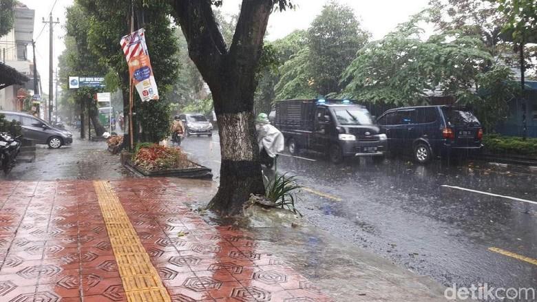 Hujan Lebat dan Angin Diperkirakan Landa DIY Hingga 2 Hari ke Depan