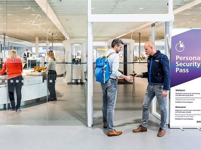 Terinspirasi dari Disneyland, Bandara Belanda Punya Jalur Check In Baru