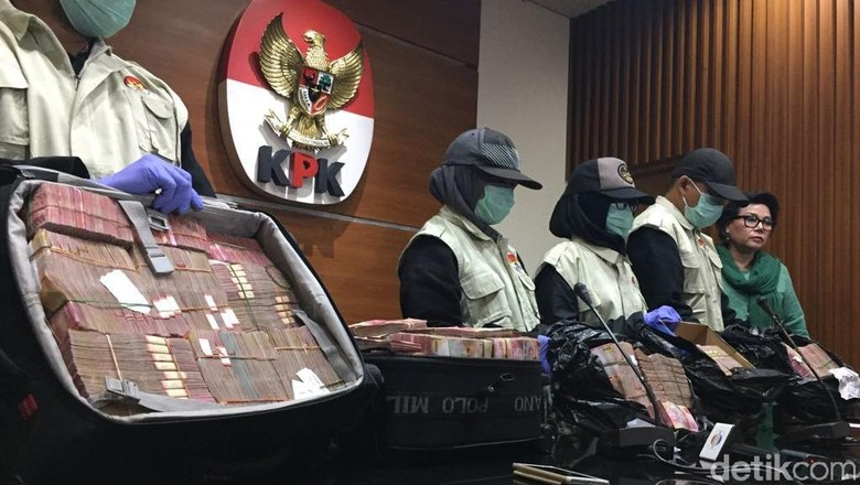 Suap Pemulusan RAPBD Jambi, KPK Geledah 3 Lokasi