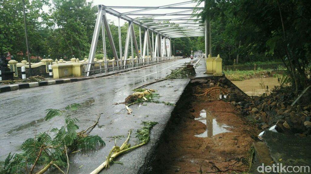 Foto: Jembatan Bunder Gunungkidul yang Sempat Ditutup 17 Jam