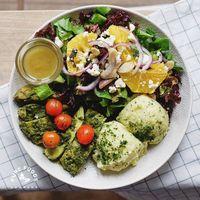 Tampak Maknyus! 4 Makanan Sehat Ini Jadi Menu Diet Bondan Winarno
