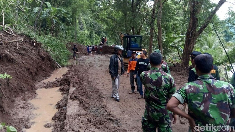 Melihat Longsor di Imogiri Bantul yang Sempat Isolasi Warga Desa