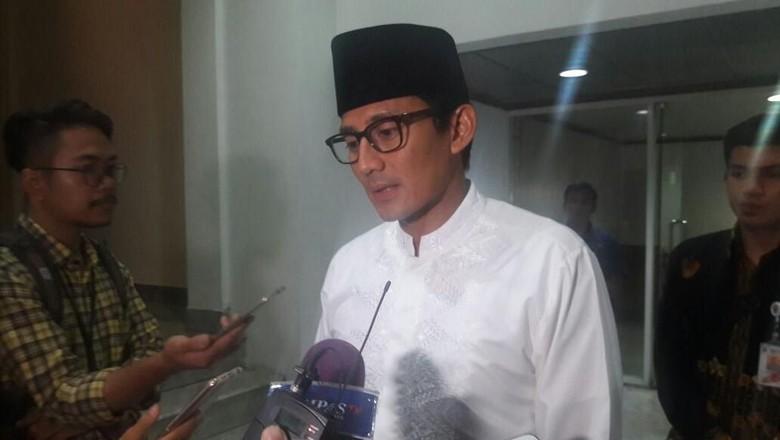 Demi Air Minum dan Kelola - Jakarta Wakil Gubernur DKI Jakarta Sandiaga Uno mengaku akan menginvestasi demi ketersediaan air Selain investasi itu juga disebut