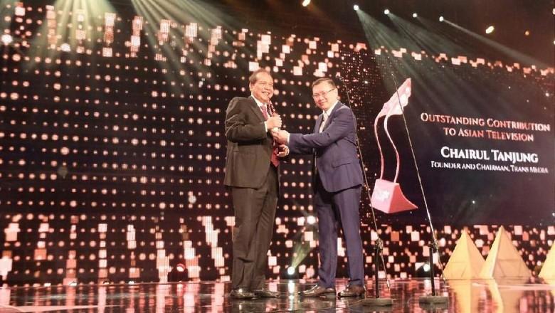 CT Raih Penghargaan atas Kontribusi - Singapura Asian Television Awards menganugerahi penghargaan kepada Chairul Tanjung Founder and Chairman CT Corp itu mendapatkan for Outstanding