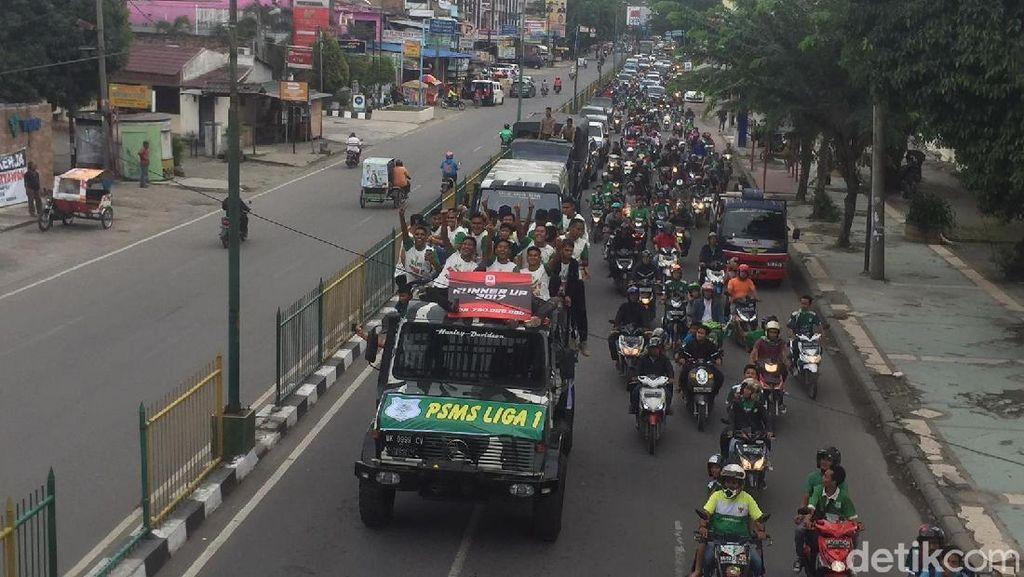 Skuat PSMS Diarak Keliling Kota Medan