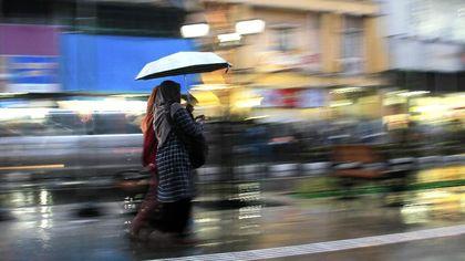 bersama hujan