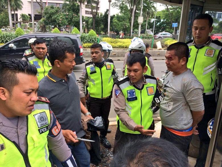 Polisi: Pria yang Coba Tusuk Polisi di Setiabudi Tak Terkait Teroris