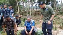Kompak! SBY dan Mas Agus Blusukan Kunjungi Korban Banjir Pacitan