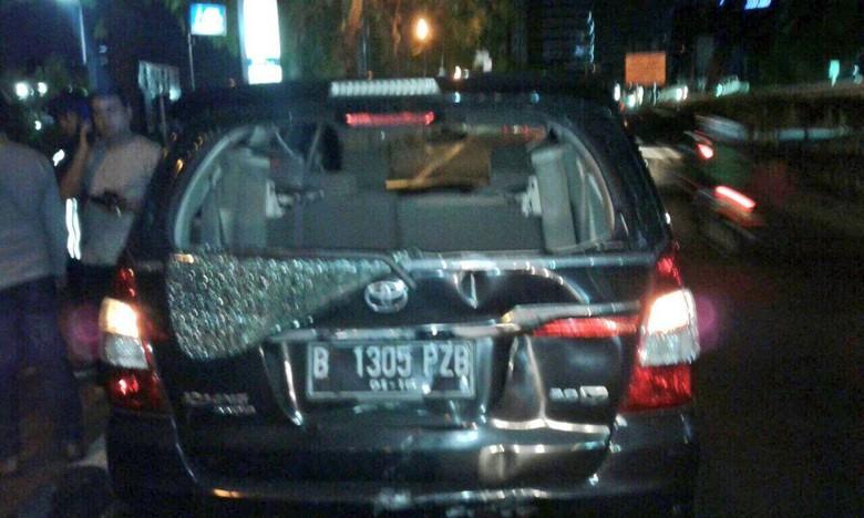 Kecelakaan di Jl Rasuna Said - Jakarta Kecelakaan terjadi antara mobil dan motor di Jalan Rasuna Jakarta Imbasnya kedua kendaraan tersebut mengalami mengenai kecelakaan