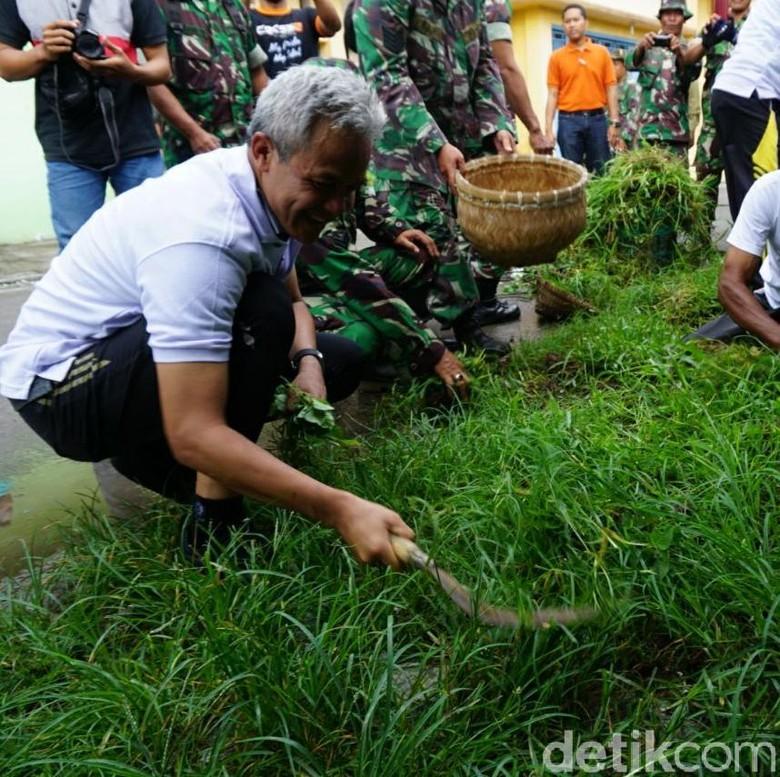 PPP Sodorkan Muqowam sebagai Begini - Ganjar Pranowo Wikha Yogyakarta Partai Persatuan Pembangunan hari sudah menyodorkan nama Ahmad Muqowam sebagai cawagub Jateng untuk dipasangkan