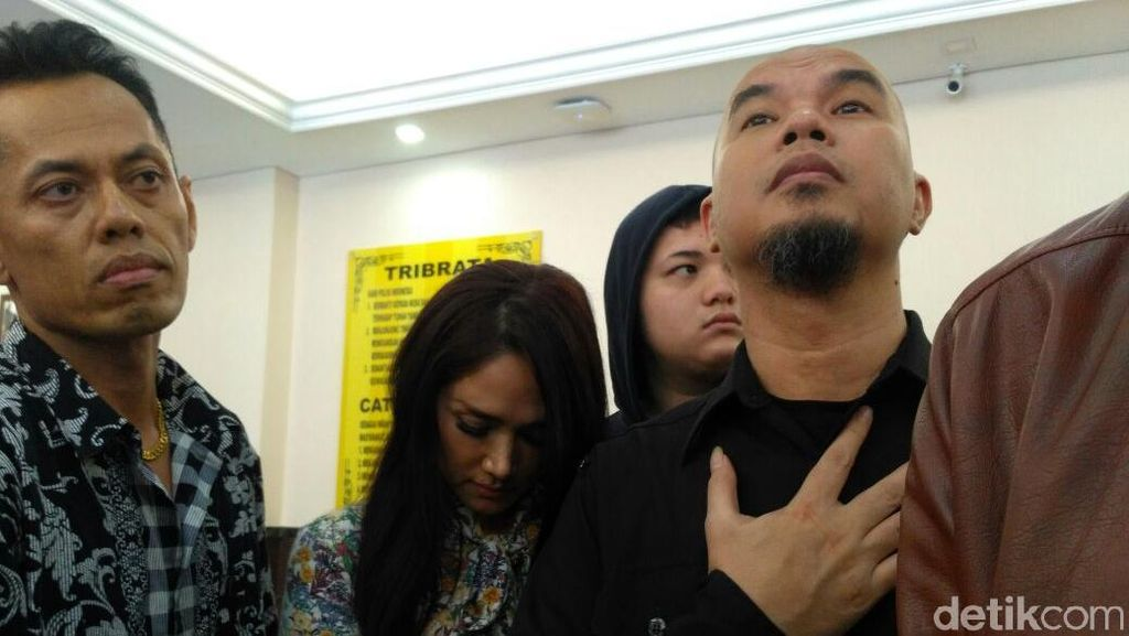 Datangi Polres Selatan, Pengacara Ahmad Dhani Ajukan 3 Ahli Meringankan