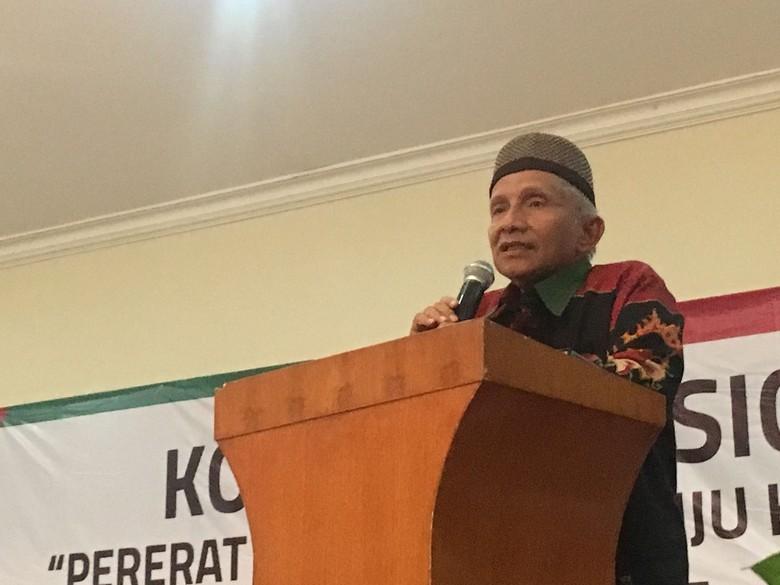 Jokowi Bagi-bagi Sertifikat Tanah, Amien Rais: Pengibulan!