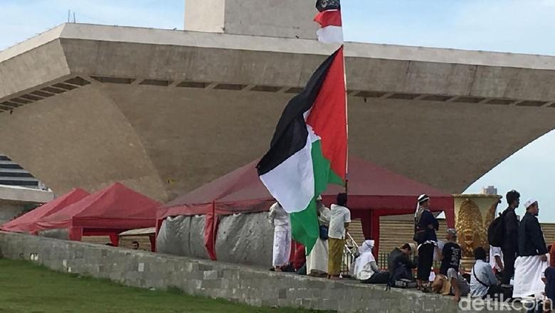 Bendera-bendera yang Berkibar di Reuni 212