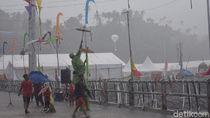 Kehujanan di Sail Sabang, Pengunjung Lakukan Hal Tak Terduga