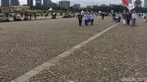 Massa 212 Bersih-bersih Sampah, Monas Kembali Kinclong