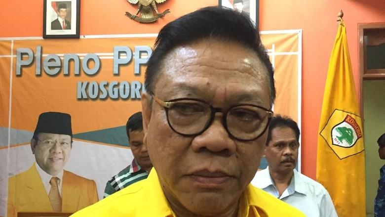 Titiek Ingin Jadi Golkar Ormas - Jakarta Hediati Hariyadi atau Titiek Soeharto menyatakan siap maju menjadi ketum Namun tiga pimpinan ormas pendiri Partai Golkar