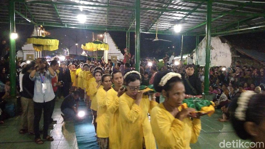 Mengintip Ritual Panjang Jimat Keraton Kanoman Cirebon Saat Maulid