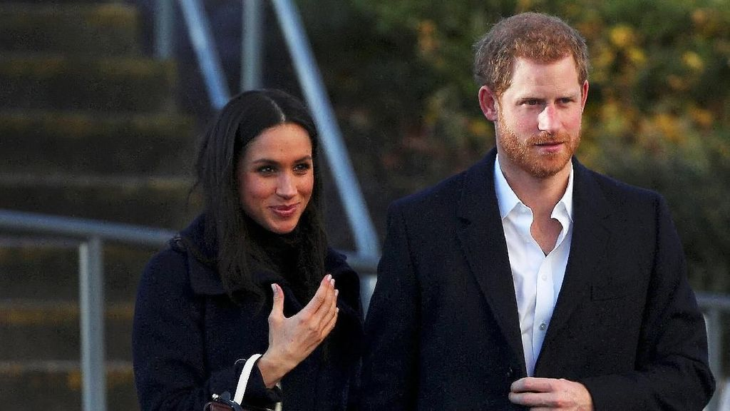 Di Luar Tradisi Kerajaan, Meghan Markle & Pangeran Harry Nikah Hari Sabtu