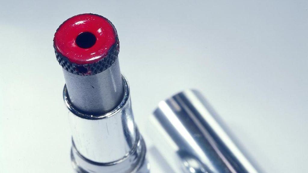 Lipstick Sampai Payung, Senjata Agen Rahasia Zaman Old