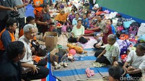 Gubernur Ganjar Hibur Pengungsi di Klaten dan Wonogiri