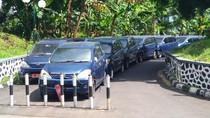Di DPR, Berderet Mobil-mobil Dinas yang Telantar Hingga Karatan